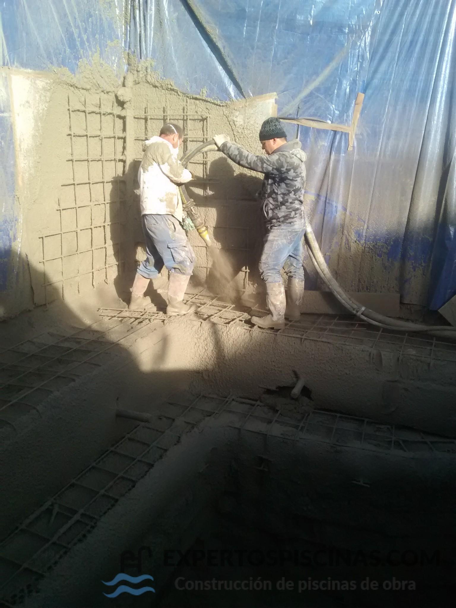 Piscinas de obra construcci n de piscinas en madrid for Construccion de piscinas en madrid
